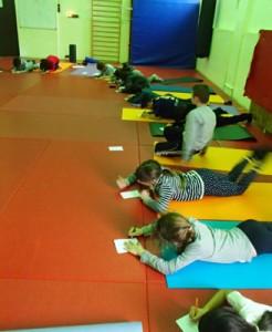 enfants-yoga-lachouetteblanche-janvier2016