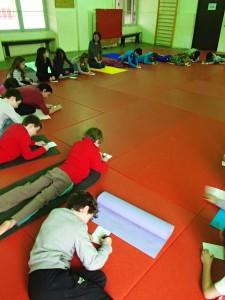 Séance de yoga enfant